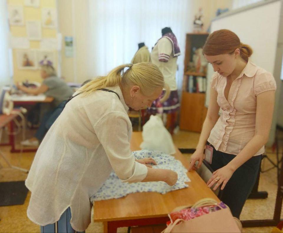Участники проекта «Московское долголетие» из Ростокина осваивают секреты шитья