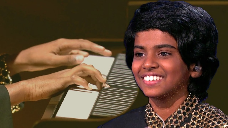 The Worlds Best - Mini Maestro Dazzles Judges Playing Piano At Lightning Speed In Audition
