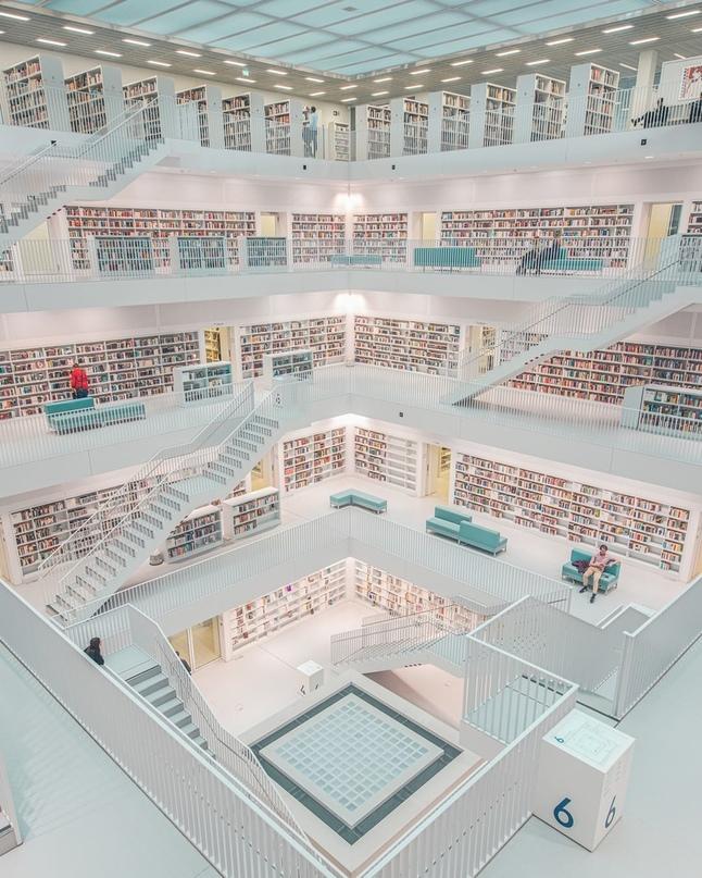 Библиотека в г. Штутгарт, Германия!