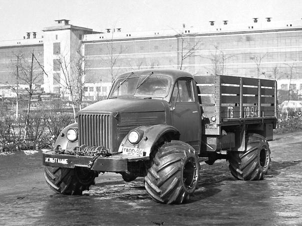 Экспериментальный грузовик ГАЗ 63 с арочными шинами