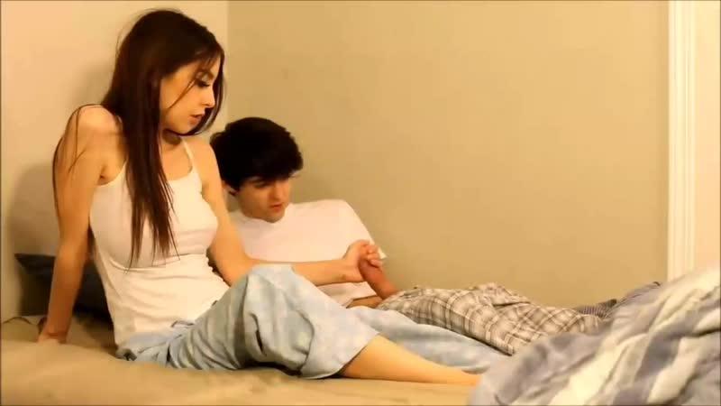 video-seks-on-uchil-ee-igrat-kiski-krasivih-devushek-erotika
