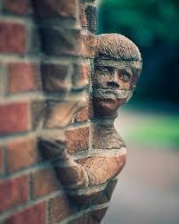 Необычные трехмерные скульптуры Брэда Спенсера ... из кирпича Американский художник Брэд Спенсер создаёт впечатляющие скульптуры, которые, кажется, вырываются из традиционных кирпичных