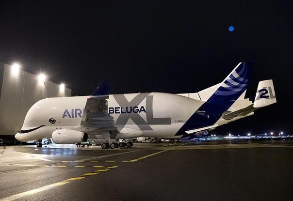 Грузовой авиалайнер-гигант Airbus BelugaXL приступил к полетам