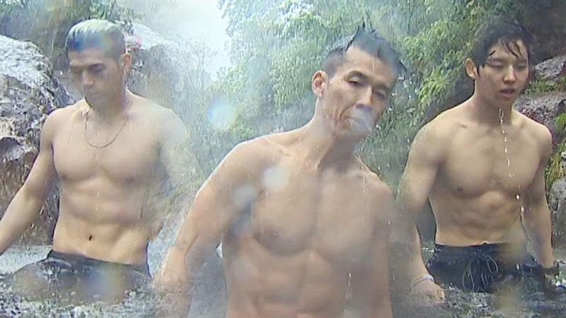 비엠X홍석X션, 멋진 남자들의 빗속의 폭포 다이빙! @김병만의 정글의 법칙 373회 2