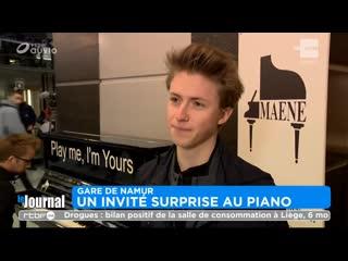 Showcase surprise de notre représentant belge du concours eurovision 2019 à la gare de namur!