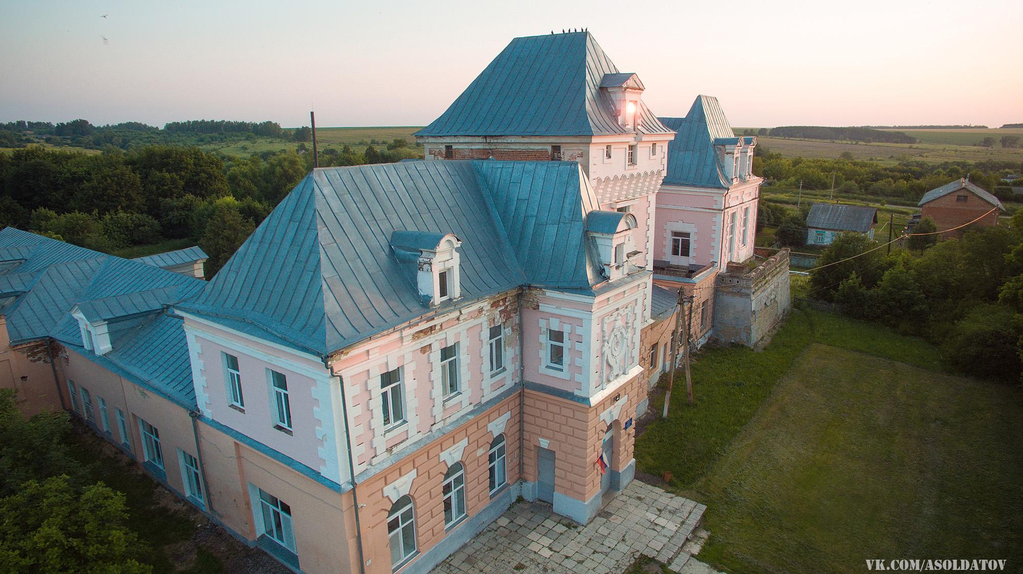 Усадьба Охотникова в селе Черкасское