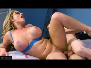 Зрелая мама трахнула непослушного мальчика задрота mature old mom woman milf sex porn young boy toy tit ass boob (hot&horny)