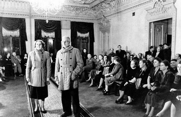 Показ модной коллекции ватников для рабочих и трудящейся интеллигенции Советского Союза