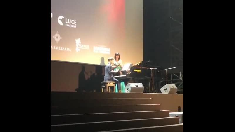 VIDEO Darren Criss and Naomi Rivieccio on stage at the Filming Italy Sardegna Festival via Chiara Sbarigias ig