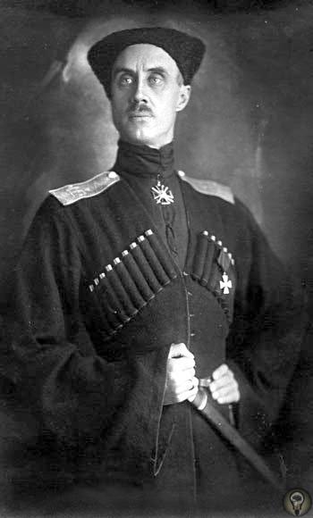 Севастопольская эвакуация 11 ноября 1920 года Петр Николаевич Врангель, главнокомандующий Русской Армии, отдал приказ об эвакуации Крыма. Подготовка к эвакуации 8 ноября, войска Южного фронта