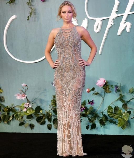 Звездные платья Versace, которые невозможно забыть. Часть 1