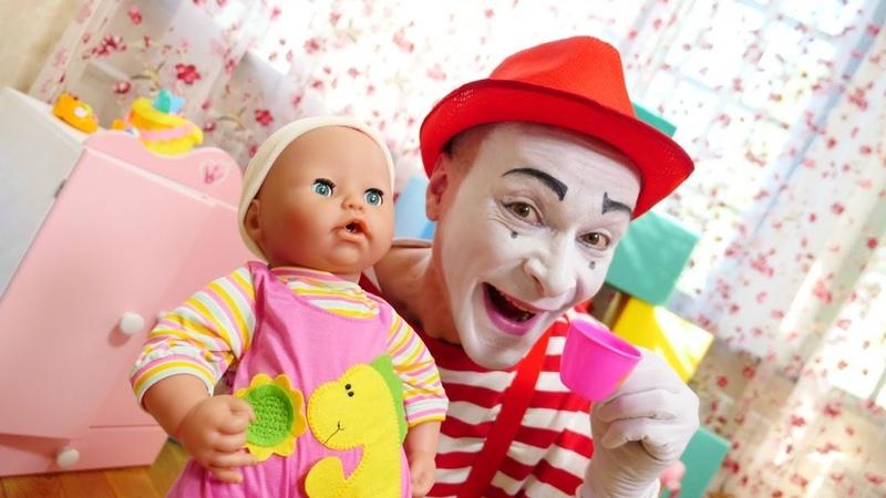O que quer a boneca Anabel Vídeos engraçados com brinquedos para crianças