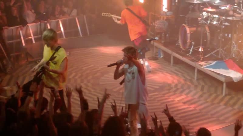 ONE OK ROCK - The_Beginning__Jaded__Mighty_Long_Fall (Prague 20/05/19)