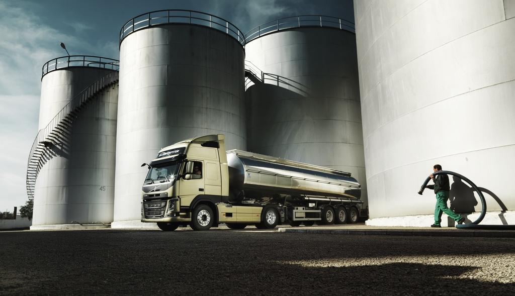 Лицензия класса А требует особого одобрения для водителя, чтобы иметь право перевозить фуру с бензином или нефтью.