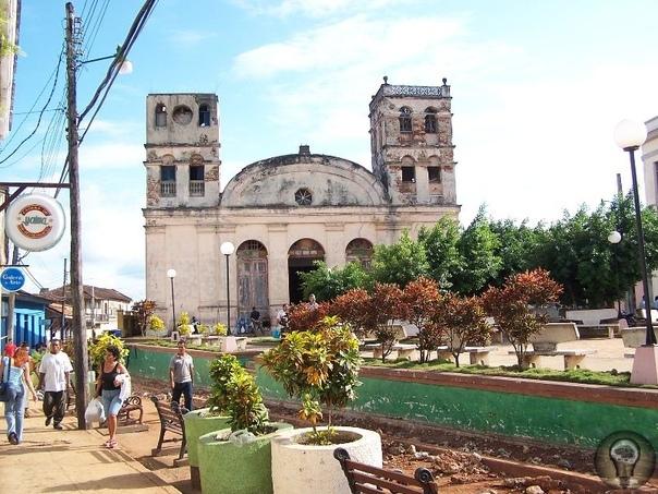 Зажигательная Куба 1. Баракоа Открытый еще Колумбом и основанный конкистадором Веласкесом, Баракоа самый старый и самый сладкий город Кубы. В XIX веке французские плантаторы с Гаити стали