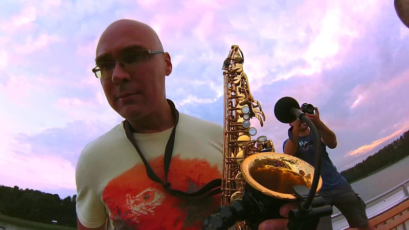 Saxophone Dj Live records - Ride On Time (Boat Super Party)
