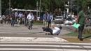 Secretário do Meio Ambiente de Campo Grande cai ao testar patinete em Florianópolis