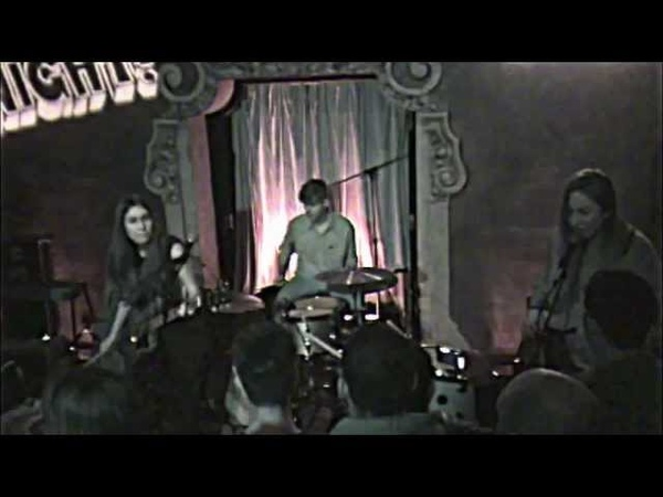 Haim - Let Me Go - KCRW School Night @ Bardot, Feb 2012 [HS]
