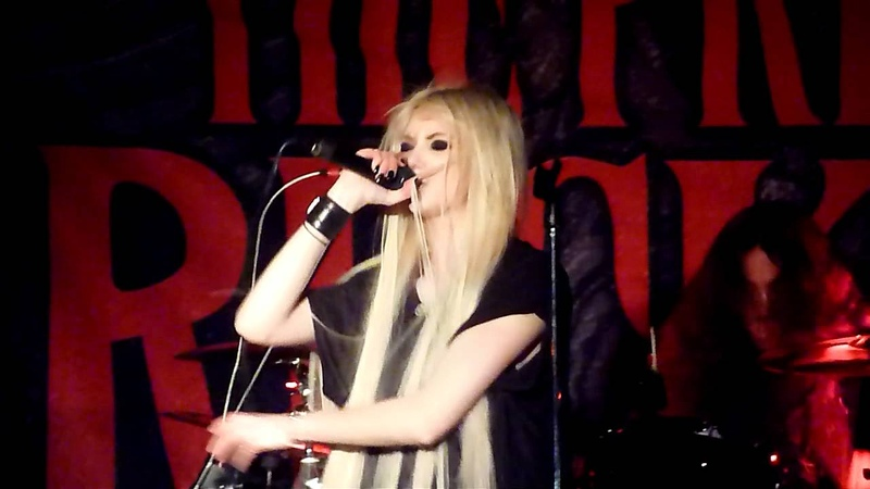 The Pretty Reckless (Taylor Momsen) - Seven Nation Army Live - Seattle, WA - 03-17-12