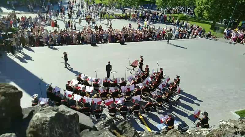 Первый концерт военных оркестров Спасская башня Москва Александровский сад