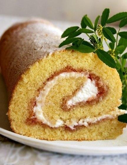 Рулет или рецепт очень удачного бисквита. Понравится всем!