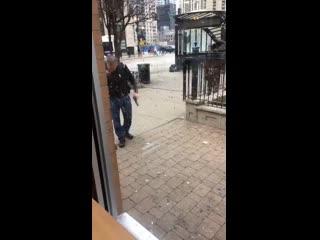 Man pulls gun to ward off Chicago teens