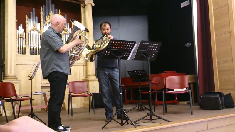 Mozart to Madness - Nilo Caracristi goes bonkers during ad lib duo session with Steve Mead !