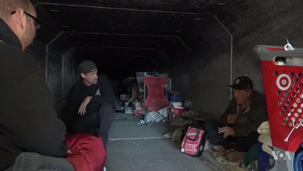 Преисподняя города грехов: жизнь бездомных в мрачных тоннелях Лас-Вегаса