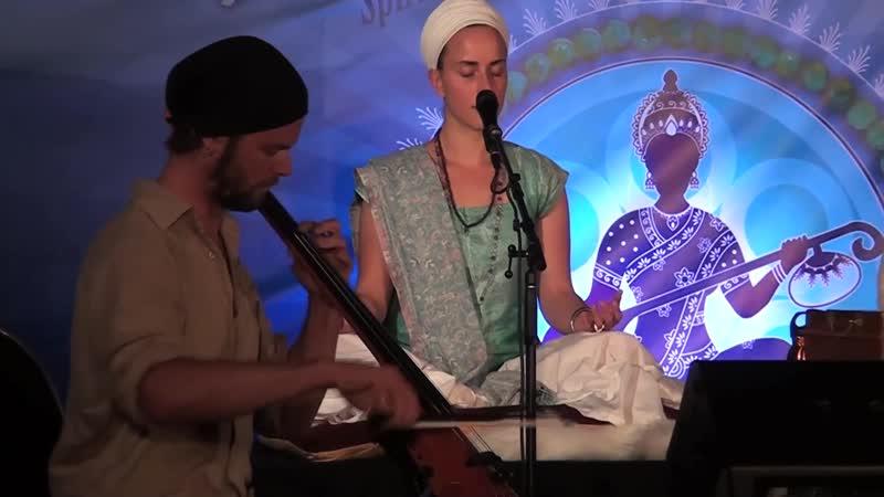 Snatam Kaur Live at Sat Nam Fest Awakening (Ek Ong Kar Sat Nam Siri Wahe Guru)