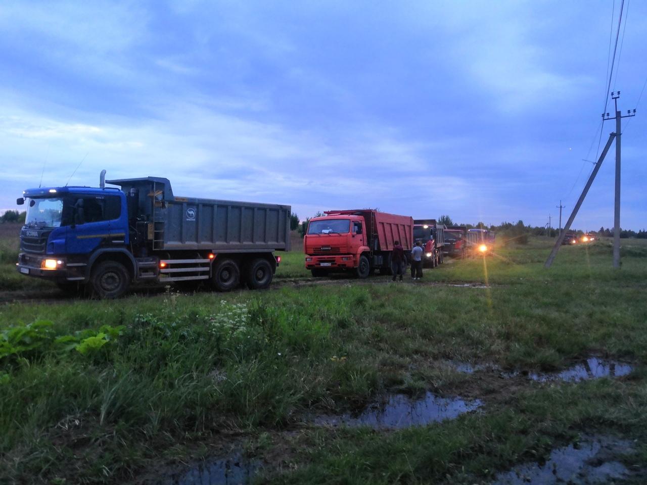 В Дмитровском округе активисты ловили самосвалы, загрязняющие дороги, лес и реку Учу