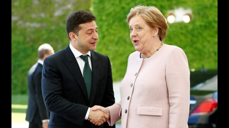 Merkel violently shakes during Berlin meeting with Ukrainian President