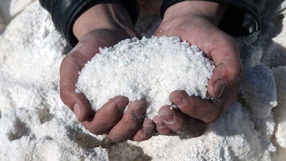 Лечение солью и солевыми повязками: как правильно делать раствор, куда прикладывать