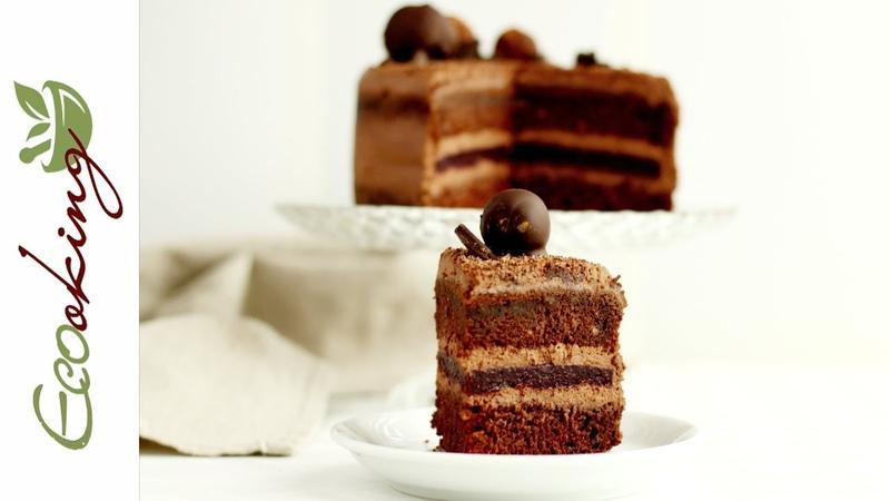 Шоколадный торт с вишневым конфи и шоколадными трюфелями / vegan / gluten free