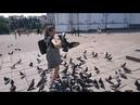 Кормление голубей на площади. А вы любите голубей?