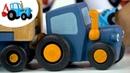 СинийТрактор везет яйцо SurpriseEgg KINDER и помог грузовику - История для детей