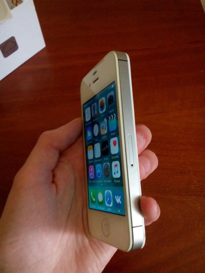 IPhone 4s 16 gb Телефон в идеале.