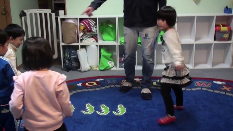 Jumping Alligators Game   Teachers Video