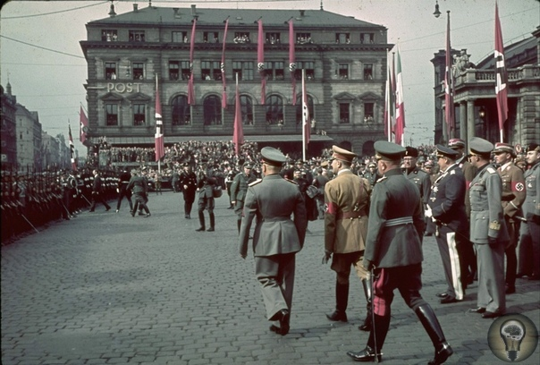 Мюнхенский сговор 30 сентября 1938 года один из самых черных дней в истории человечества, дата, когда Англия и Франция заключили с нацистской Германией и фашистской Италией Мюнхенский сговор. От