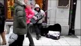 Уличный музыкант с мощным голосом. Dave Stewart - Cannonball (Damien Rice Song Cover)