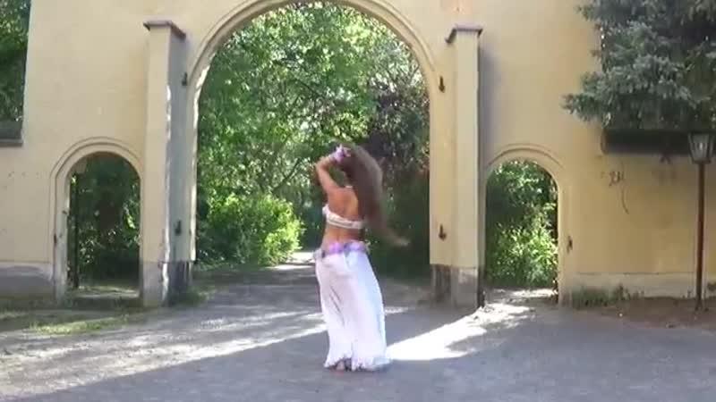 Amr Diab - El Leila - Isabella Arabic Belly Dance - عمرو دياب الليلة فيديو كليب
