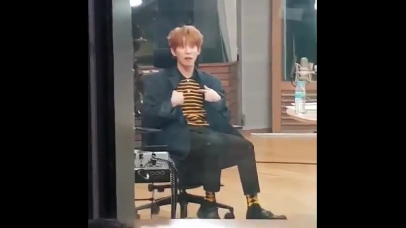 Look at bee king Kyung pointing out his bee socks and bee shirt