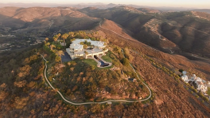 San Diego Estate Perched Atop Paint Mountain Offers Views Extending from Mexico to Dana Point