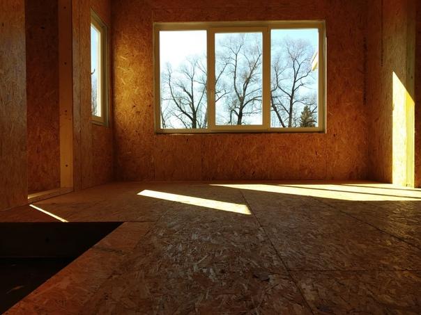 Закончен монтаж теплого контура одноэтажного дома в скандинавском стиле в Порхове 👌🏻 Площадь дома 73м2., лента объекта #ультрасип_порхов Ждем готовности фасада, это будет скандинавская доска с поднятым ворсом.