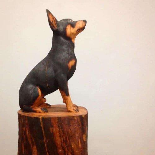 Невероятно реалистичные скульптуры домашних животных из массивных стволов дерева