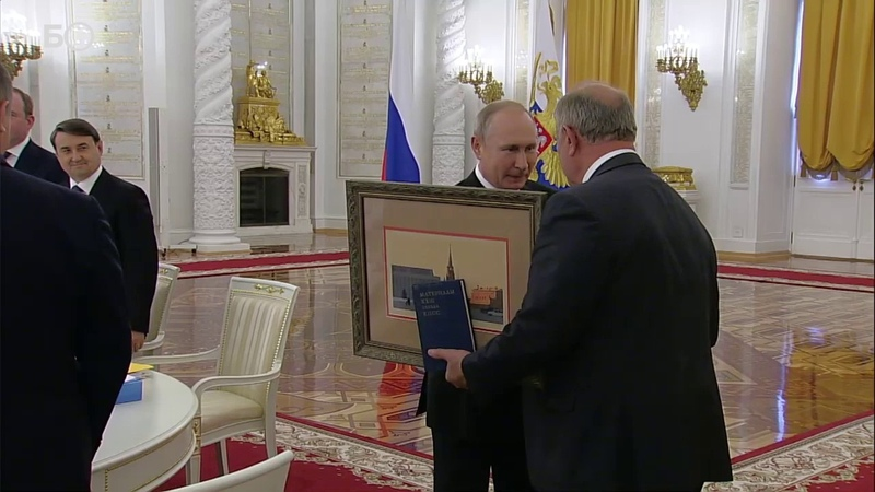 КПРФ и ЕДИНАЯ РОССИЯ - одна дружная и крепкая команда ! Поздравляют Зюганова за удачно проведённую операц ... Кто бы сомневался.