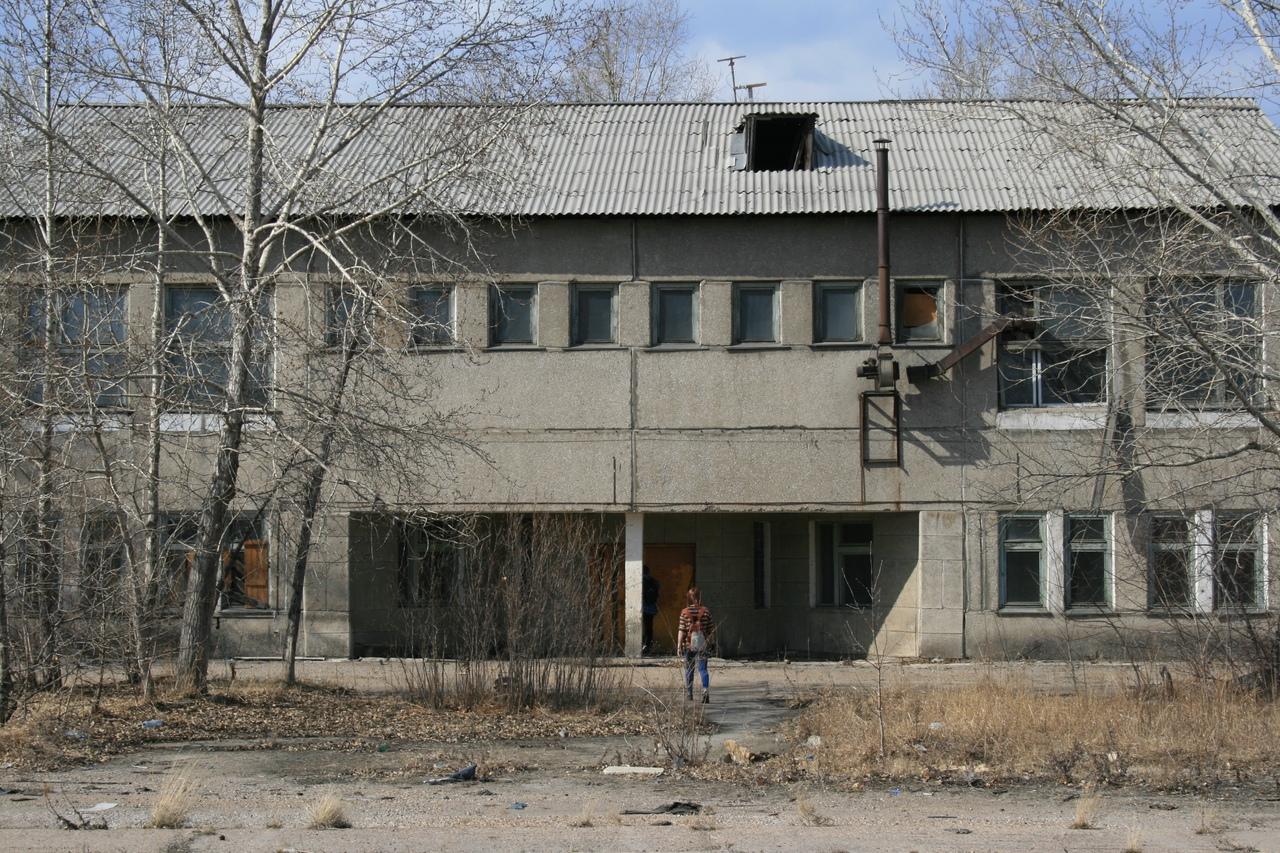 Лаборатория на территории ДОК-2 в городе Ангарск