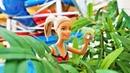 A pulseira da Barbie. Novelinha de boneca no Parque Aquático. Desenhos animados com bonecas.