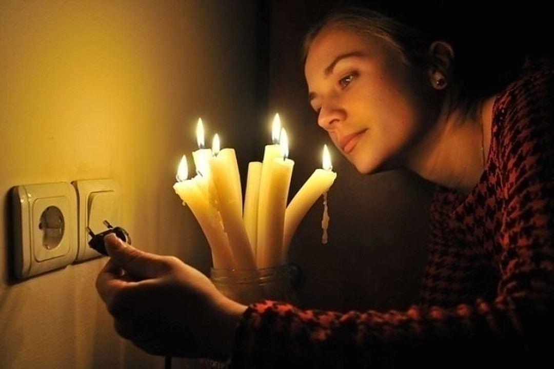 В Украине из-за жары отключат электричество: стало известно, кого это коснется и сколько продлится