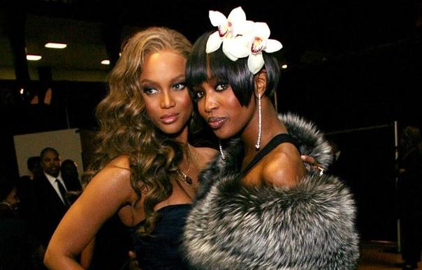 Заклятые подруги Тайра Бэнкс и Наоми Кэмпбелл: Почему две темнокожие модели не смогли найти общий язык В мире моды существуют свои негласные правила, а конкуренция между моделями столь высока,