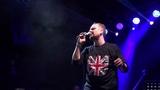 Александр Пушной исполняет на бис песню